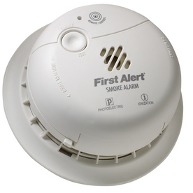 First Alert Battery Powered Dual Ionization and Photoelectric Smoke Alarm