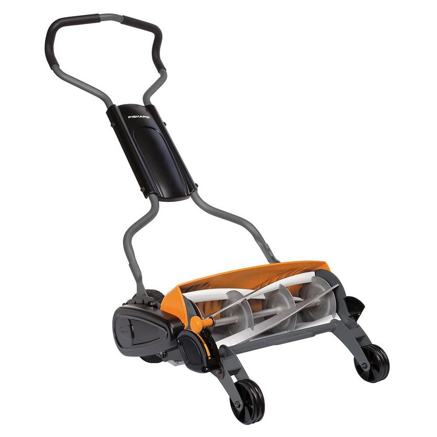 Shop Fiskars 18 In Reel Lawn Mower At Lowes Com