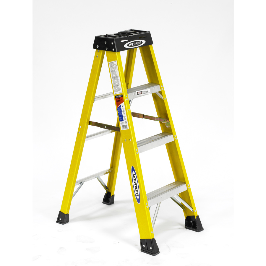 Shop Werner 4 Ft Fiberglass 300 Lb Type Ia Step Ladder At
