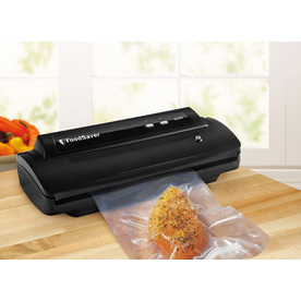 FoodSaver 17.7-in H x 10.6-in W x 5.9-in D Black Vacuum Sealer