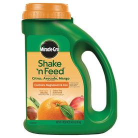 Miracle-Gro Shake 'N Feed 4.5-lb Synthetic Tree and Shrub Food (13-7-13)