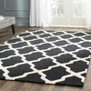 Safavieh Cambridge Black and Ivory Rectangular Indoor Tufted Throw Rug (Common: 3 x 5; Actual: 36-in W x 60-in L x 0.42-ft Dia)