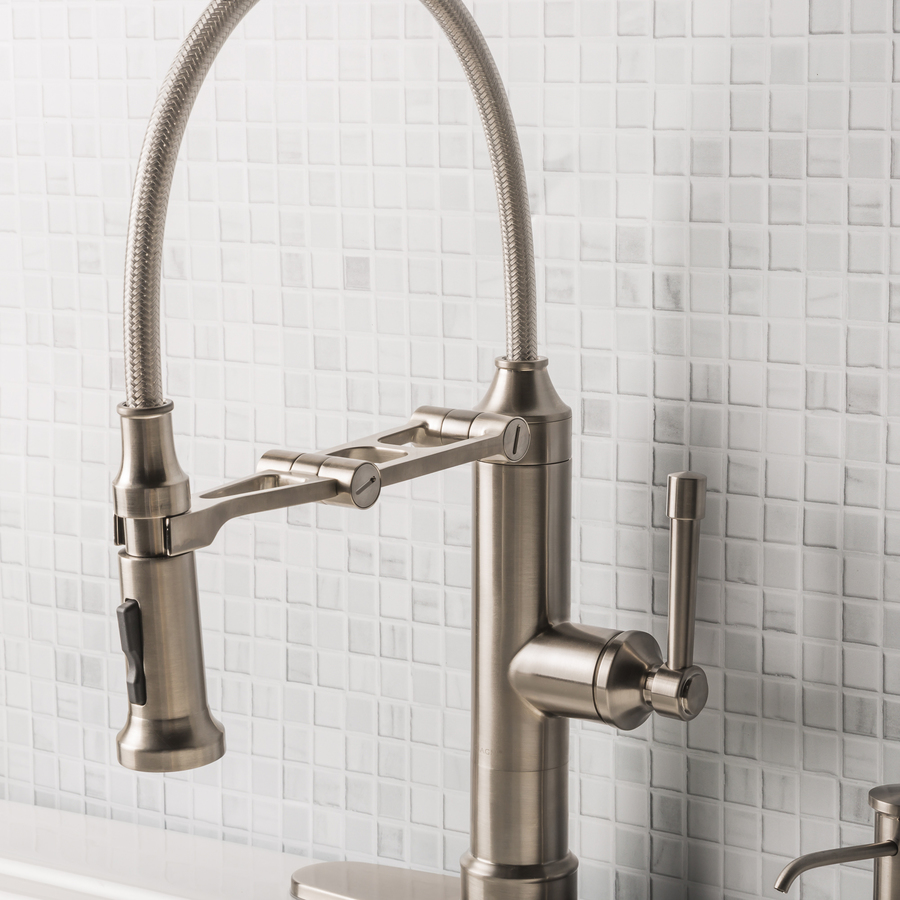 Giagni Strattura Stainless Steel 1 Handle Deck Mount Pull Down Handle Kitchen Faucet Deck Plate Included In The Kitchen Faucets Department At Lowes Com